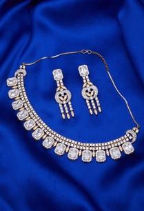 stone-necklace-set