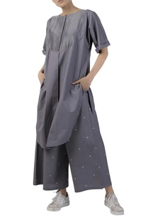 long-tunic-with-button-placket