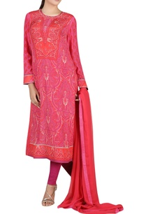 hand-embroidered-straight-fit-kurta-set