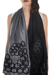 hexagonal-shaped-leather-detail-stole
