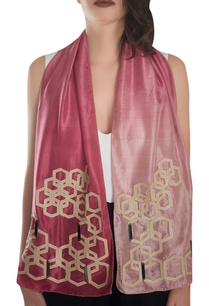 delicate-gold-hardware-work-stole