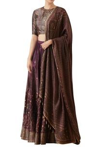 digitally-print-blouse-with-hand-embroidered-lehenga-dupatta