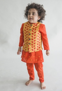 embroidered-kurta-with-printed-nehru-jacket-and-pants