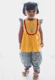 gota-and-bead-embroidered-kurta-dhoti-pant-set