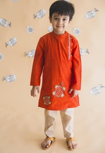 tortoise-embroidered-kurta-set