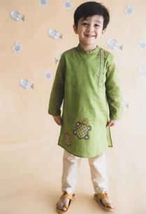 side-placket-embroidered-kurta-set
