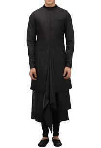 quilted-detail-sherwani-with-pocket-square