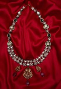 meenakari-pendant-necklace-with-multiple-stones