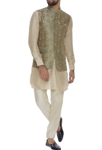 raw-silk-booti-floral-embroidered-jacket