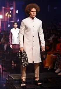 vanilla-embroidered-sherwani-set