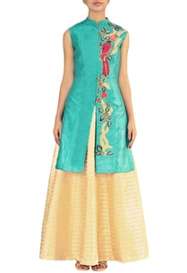 turquoise-bird-embroidered-kurta-with-ivory-lehenga
