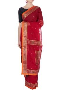 red-sari-in-mango-butta-embroidery