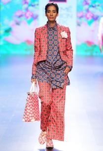 pink-floral-motif-printed-crop-blazer
