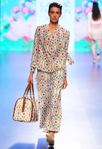 white-floral-printed-wrap-jacket