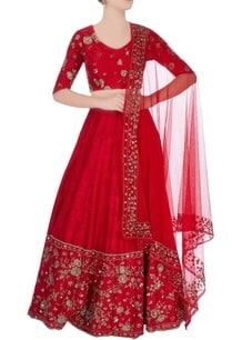 red-lehenga-with-floral-motif-embroidery