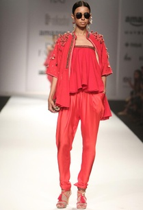 red-embroidered-jacket-with-camisole-jodhpuri-pants