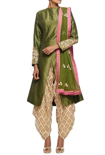 olive-green-embroidered-kurta-with-overlapping-hemline-printed-patiala