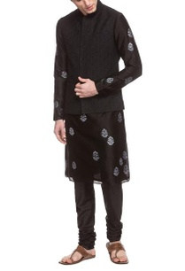 black-thread-embroidered-bandi