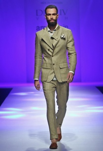 grey-overlapping-lapel-jacket