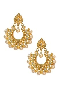 gold-finish-kundan-pearl-chand-earrings