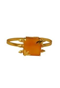 gold-finish-amber-leaf-stone-cuff