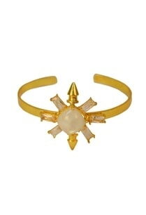 gold-finish-white-star-cuff