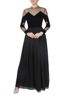 black-velvet-peekaboo-gown