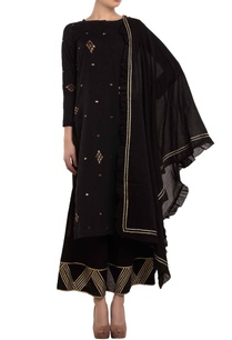 black-zari-embroidered-kurta-set