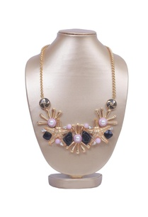 black-rose-and-pearl-star-necklace