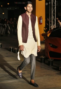 silk-kurta-trousers-bandi-jacket