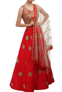 red-floral-embroidered-lehenga-set