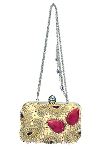 ivory-paisley-embbroidered-clutch