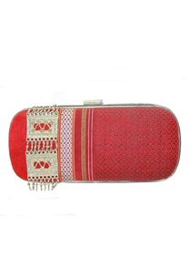 maroon-embroidered-clutch-with-silver-brooch