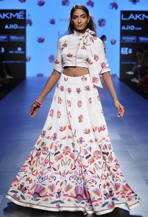 white-embroidered-crop-top-and-flared-skirt