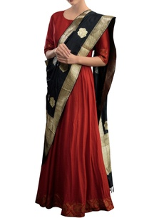red-anarkali-with-black-stole