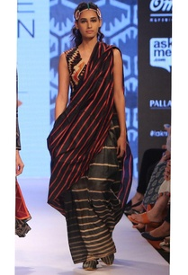 black-striped-sari-with-striped-skirt
