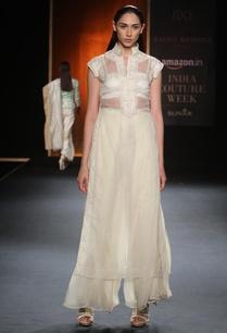 ivory-embroidered-kurta-with-chiffon-palazzos