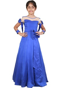 blue-satin-bow-detailed-princess-gown