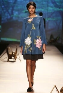 teal-hydrangea-applique-blouse-with-skirt
