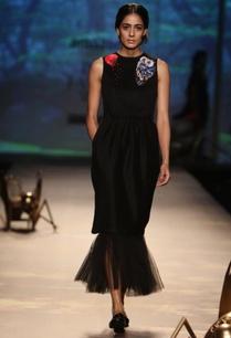 black-straight-fit-frilled-skirt