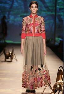beige-leaf-embroidered-skirt