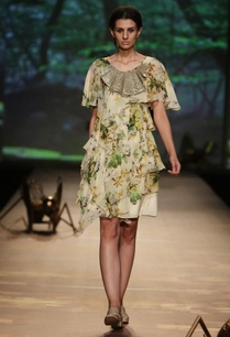 pale-green%c2%a0-foliage-printed-tiered-dress