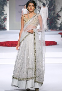 ivory-sari-with-gold-embroidered-blouse