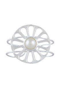 circular-pearl-medallion-bangle