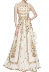 white-embroidered-kalidaar-jacket-with-flared-skirt