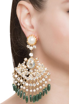 Pearls & crystals emerald earrings