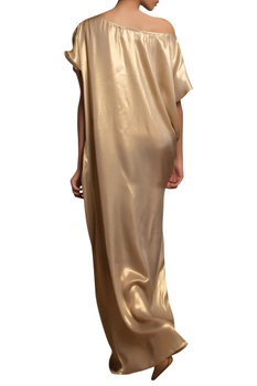 Gather detail gown with side slit