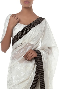 Printed sari with unstitched blouse