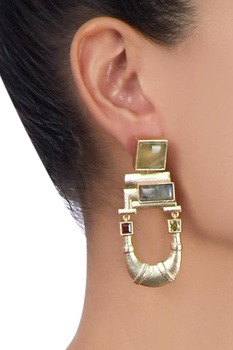 Gold u-shaped stone earrings