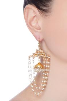 Gold pearl strang earring